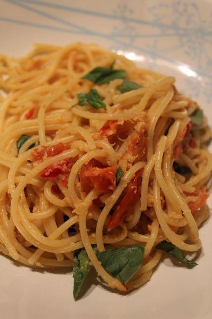 Spaghetti With Crab Tomatoes Chilli Garlic Lemon And Basil